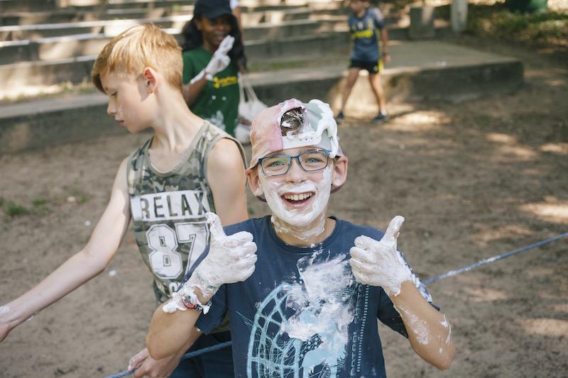 Kinder bei Schaumschlacht