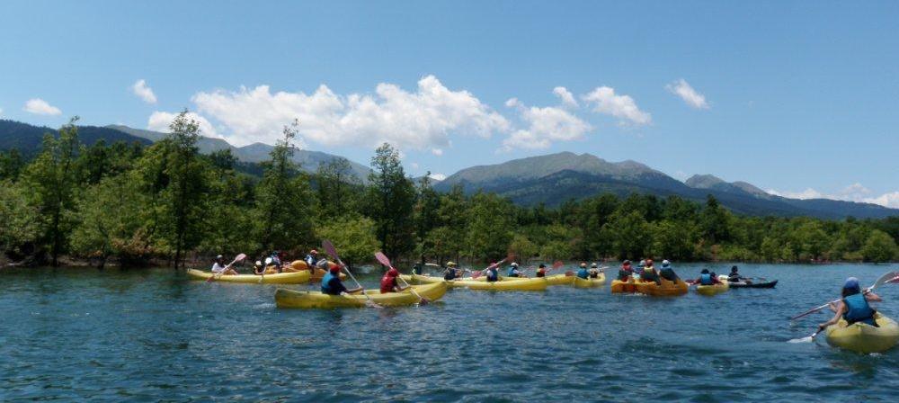 ausflug-mit-booten-feriencamps