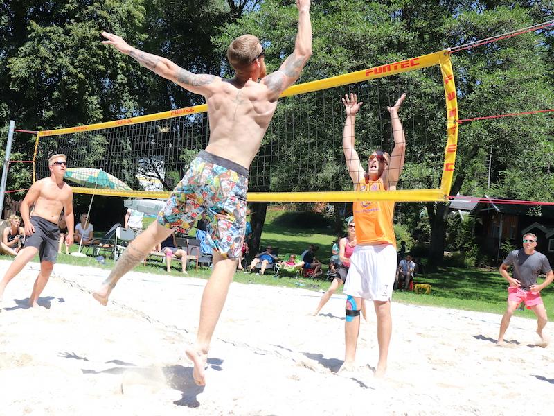 aktiv-jugendreise-kaernten-beachvolleyball